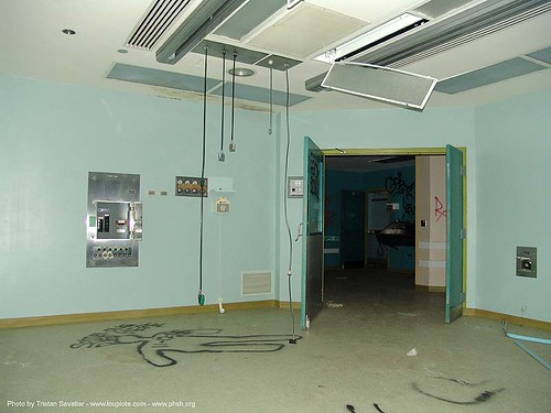 2830-phsh-operating-room - green - Abandoned Hospital (Presidio, San Francisco) | by loupiote (Old Skool) pro
