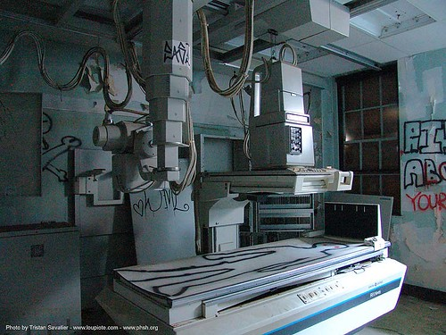 4173-phsh-x-ray-machine - Abandoned Hospital (Presidio, San Francisco) | by loupiote (Old Skool) pro