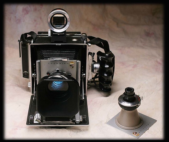 My linhof technika III with zeiss luminar.