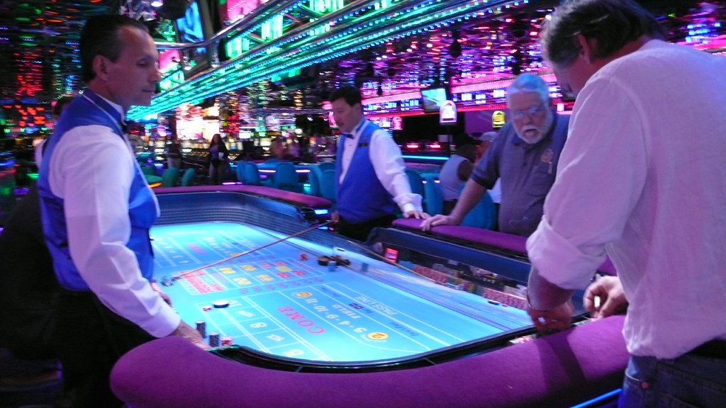 Craps Table | Smoobs | Flickr