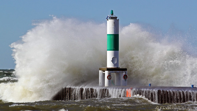 Big waves at Holland State Park in Michigan