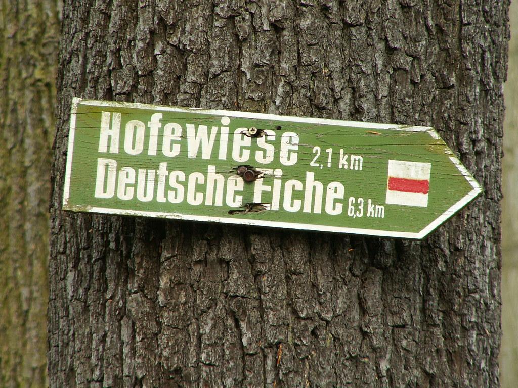Wegweiser Hofewiese Deutsche Eiche Langebrück doch du wohntest nicht in einem Lande, wo der Geist mit Hirngespinnsten focht, und bliebst fern von einer trägen Bande, die der Menschheit nicht erkennt 106
