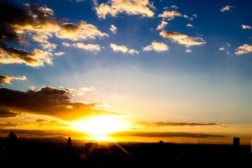 blue light sky cloud sun slr japan digital sunrise 35mm canon eos hotel sapporo hokkaido day ray 北海道 日本 5d dslr 札幌 markii ef35mm iso50 princehotel file:name=img1187201009245dmk2010 pwpartlycloudy