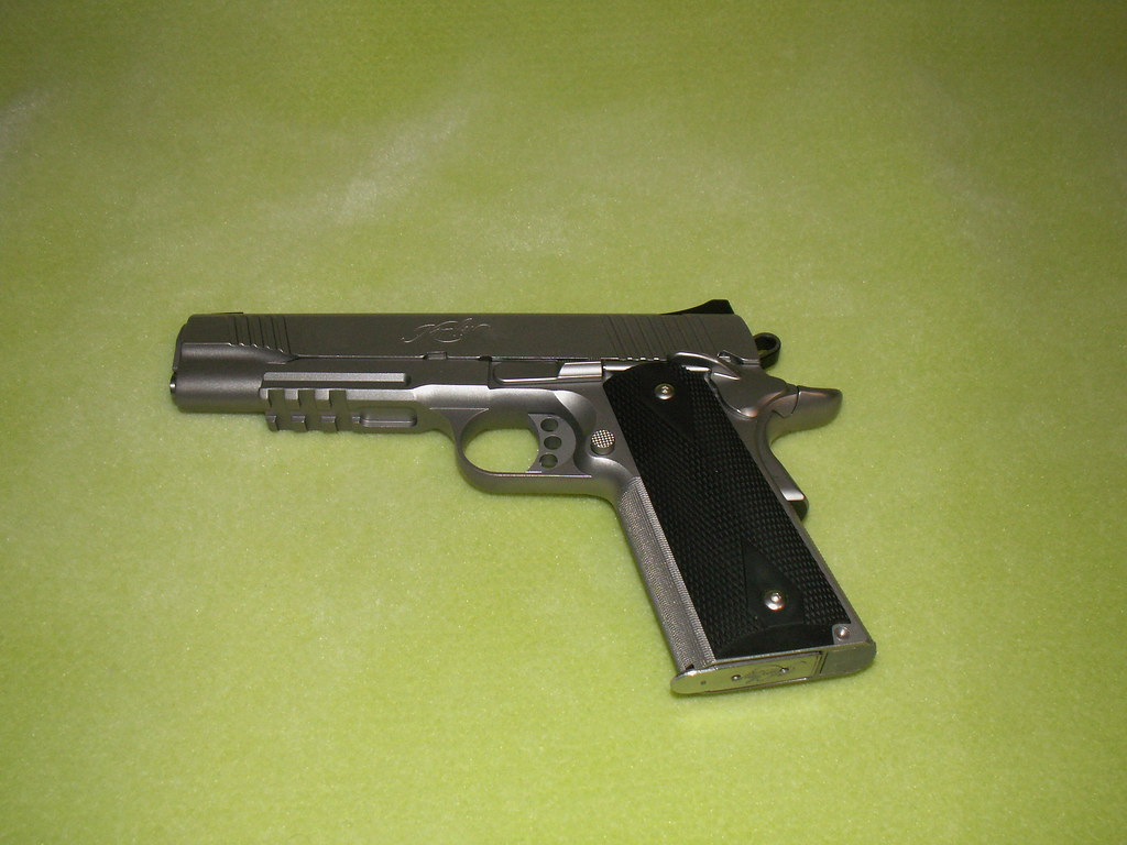 PICT0005   Kimber  45ACP Stainless Steel TLE/RL-II  Complete