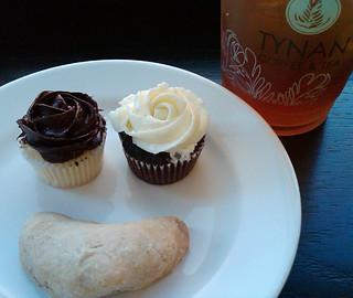 Mini Cupcakes and Iced Tea at Tynan
