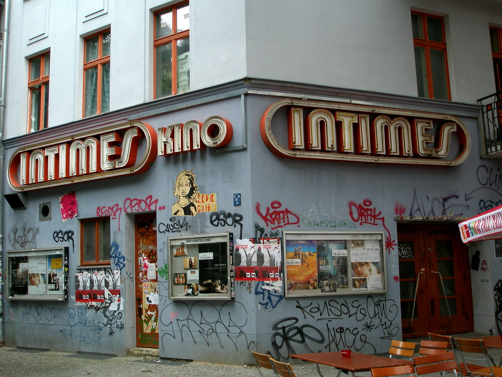 Kino Intimes Entrance