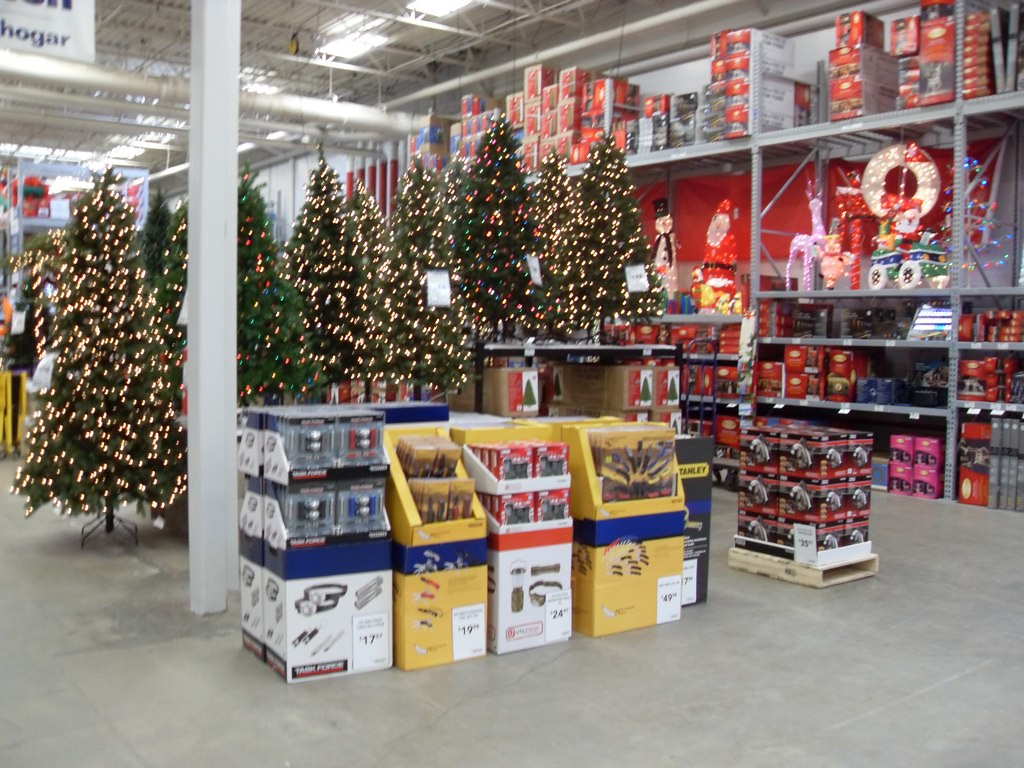 Lowes Christmas Decorations.Christmas Decorations At Lowes Paul Swansen Flickr