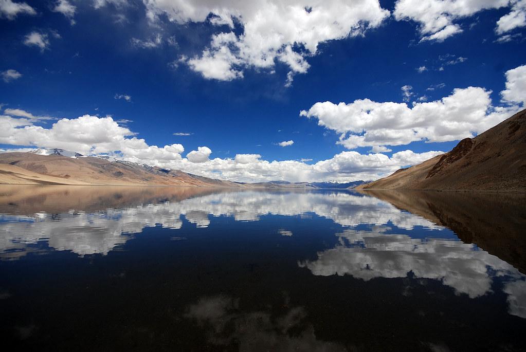 Tso Moriri Lake by Prabhu B Doss