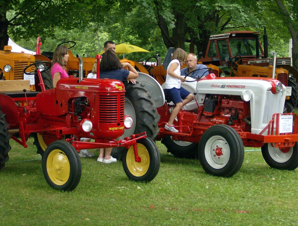 Ford 801 Diesel Tractor