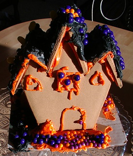 haunted cookie house front | by sunshine's creations