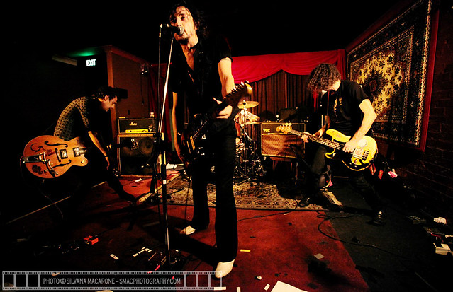DimiDeroInc-30thOct2010@Troubadour,Brisbane-1