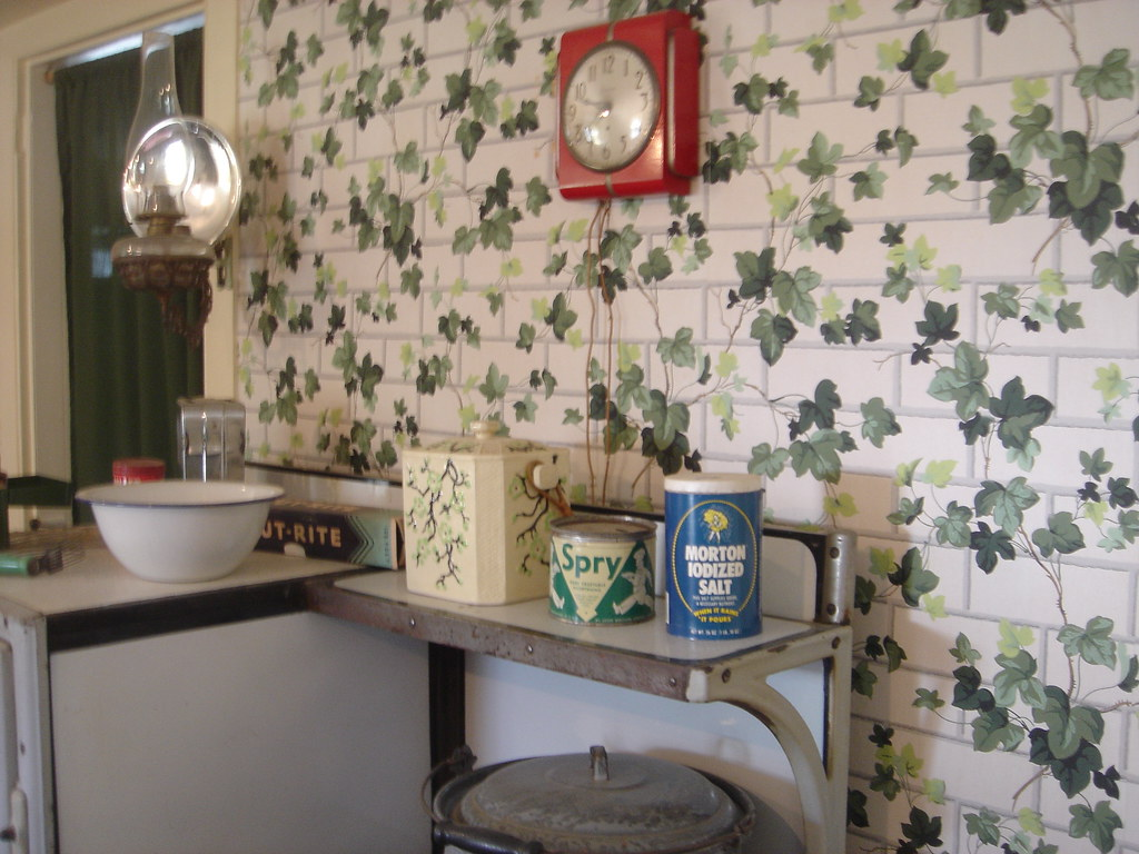 1940s kitchen with ivy wallpaper | I know I've seen that ...