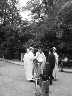 wedding minstrels in buttes chaumont 19tharrondissement