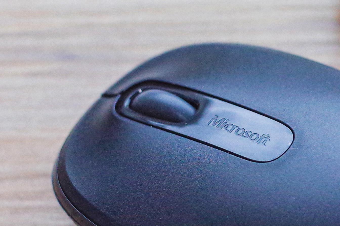 變更 Windows 作業系統的滑鼠滾輪捲動方向