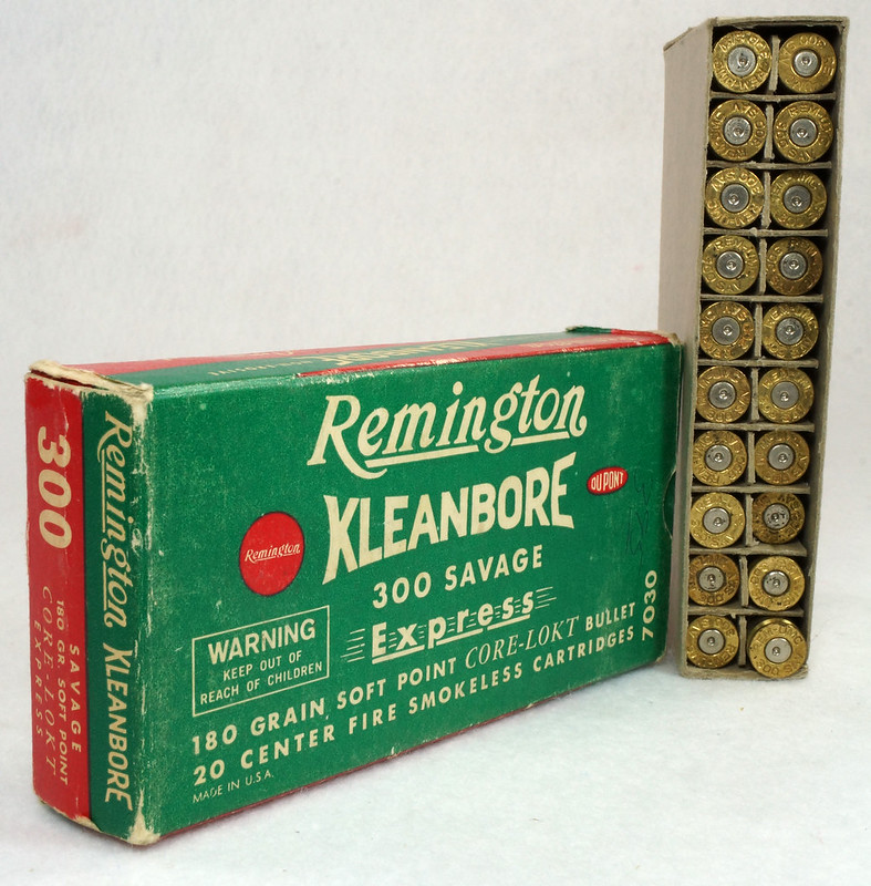 RD14570 Vintage Remington Kleanbore 300 Savage Express 180 Gr. Soft Point Ammo Box with 20 Empty Brass Casings DSC07005