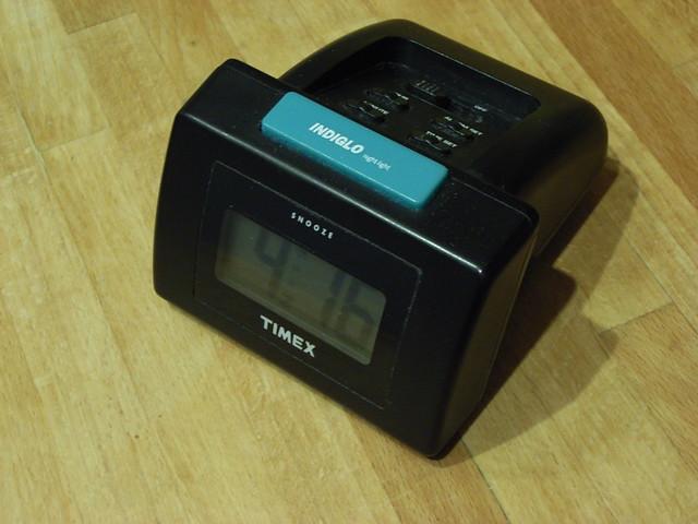 666f93f34c8e Indiglo alarm clock