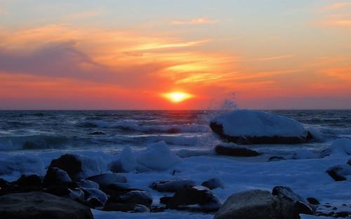 winter sunset seascape cold ice water geotagged waves shoreline buzzardsbay littleisland northfalmouth geo:lat=4161083 geo:lon=70652196 dbcapecod