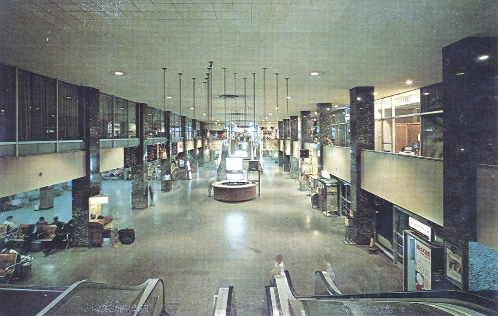 Greyhound Bus Terminal - Chicago, Illinois | The largest ind