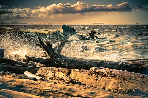 Angry Ocean | by Žèę Ķ