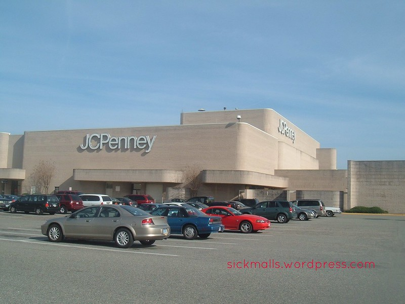 JC Penney (Coliseum Mall)