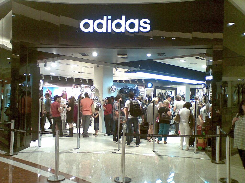 49e8983aa ... do Inauguração da loja da Adidas no BH Shopping
