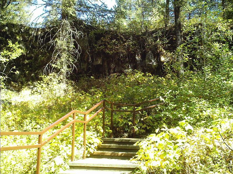 Upper Mesa Falls trail