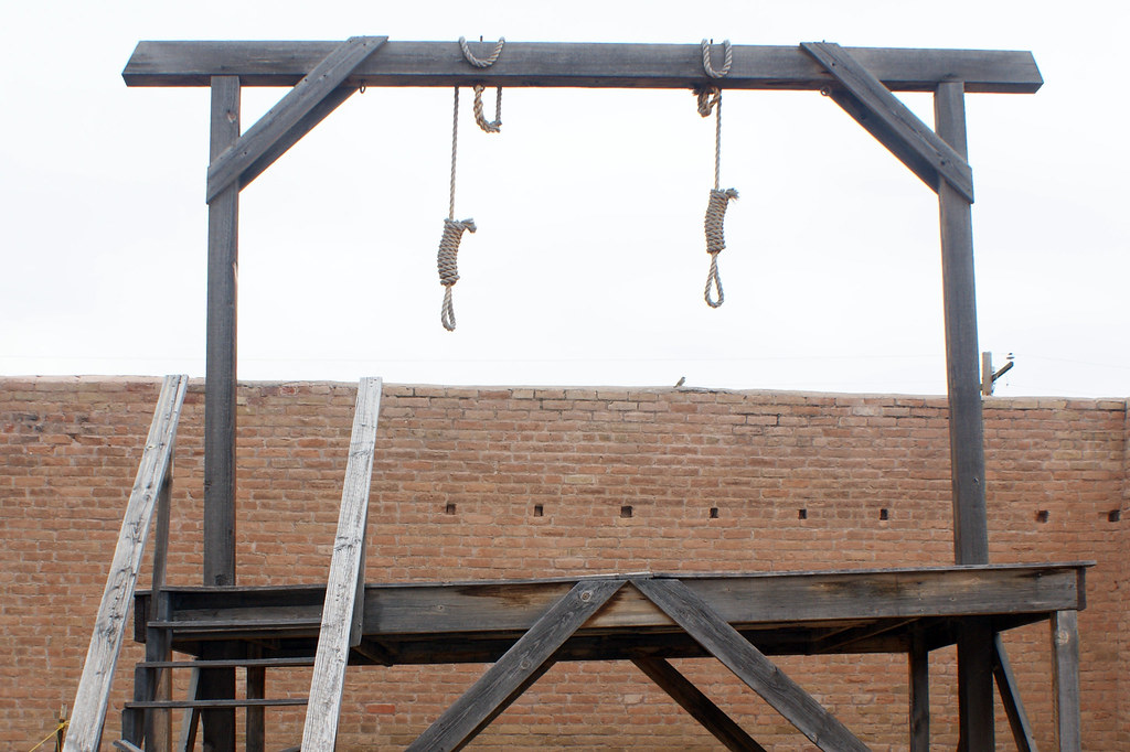 Gallows Replica at Tombstone Courthouse State Historic Par…   Flickr