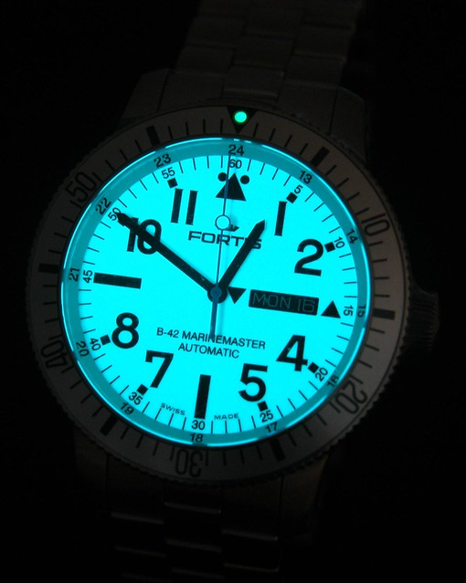 Fortis B-42 Marinemaster (white face)