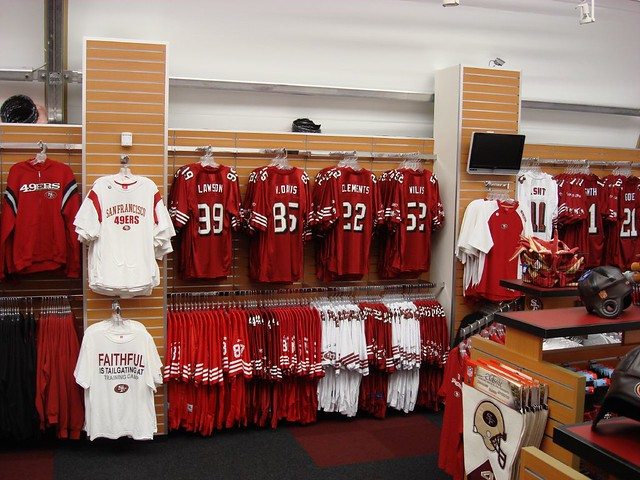 brand new 94b97 fad90 49ers Team Store | Jerseys on slatwall | TRIO Display | Flickr