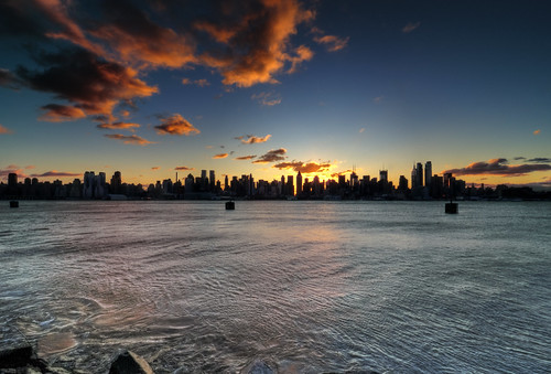 nyc newyorkcity cloud sun ny newyork reflection skyline skyscraper sunrise river geotagged newjersey cityscape nj esb hudsonriver empirestatebuilding hdr hoboken nuevayork cidadedenovayork mudpig stevekelley ньюйорк ニューヨーク市 纽约市 νέαυόρκη مدينةنيويورك lavilledenewyork شهرنیویورک เมืองนิวยอร์ก న్యూయార్క్సిటీ עירניויורק