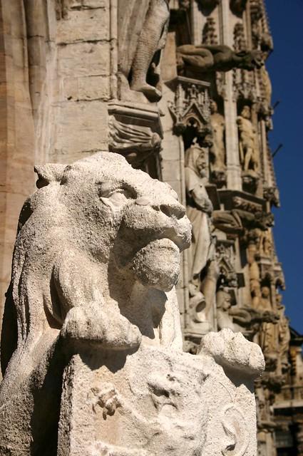 Lion statue, Hotel de Ville, Grand Place, Brussels
