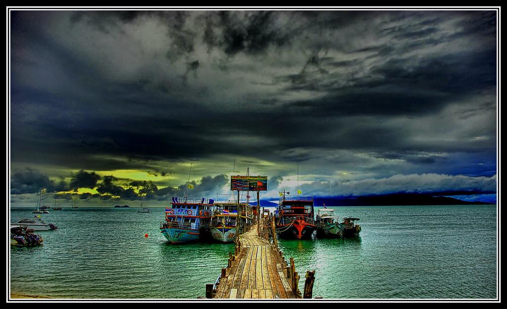 Bo Phut Pier by grantthai