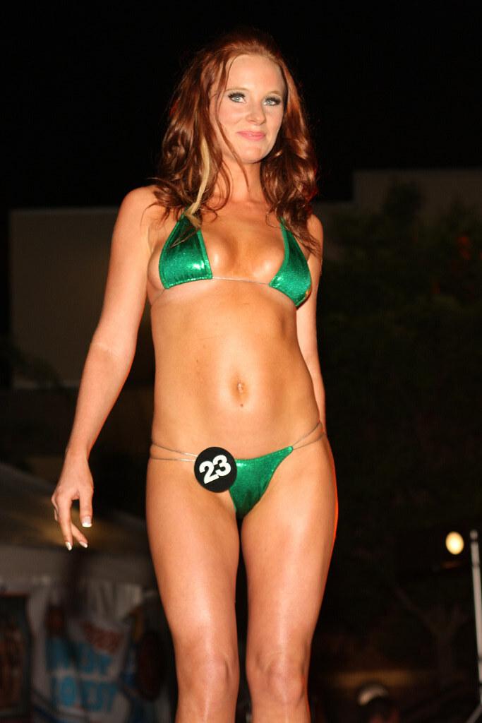 Sara hoots hooters bikini contest