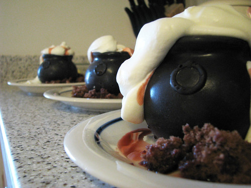 Cauldron Cakes - Final Product | by crystalliora ✦ vesper704
