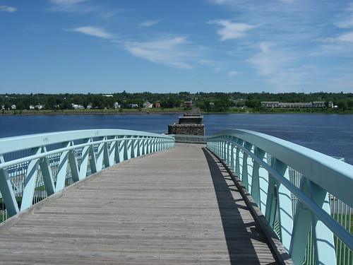 bridge blue canada river geotagged waterfront 2006 fredericton newbrunswick kanada saintjohnriver stjohnriver cans2s flickrchallengegroup palestrina55 photofaceoffwinner geo:lat=45963158 geo:lon=66639960 pfosilver achallengeforyou