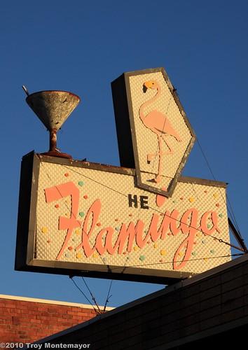 california sky bird sign bar sunrise vintage unitedstates antique lounge martini cocktail northamerica centralvalley riovista sanjoaquindelta solanocounty riovistaca canoneos50d theflamino