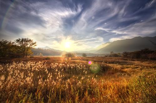 trees sunset sun mountains grass japan clouds flare marsh nikko hdr marshland tochigi senjogahara 6xp
