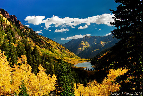 colorado fallcolors aspen maroonbells aspentrees maroonlake glacialvalley coth pitkincounty snowmasswildernessarea coth5