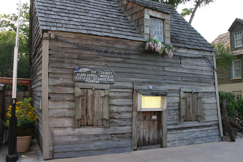 Oldest Wooden Schoolhouse in the USA | Located near the City