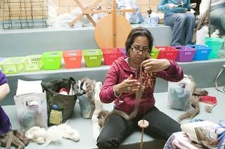 Yarn School: spindling
