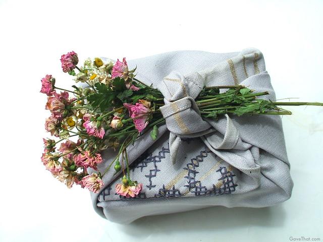 Furoshiki Gift w Flowers