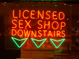 Sex shop neon | by davepatten