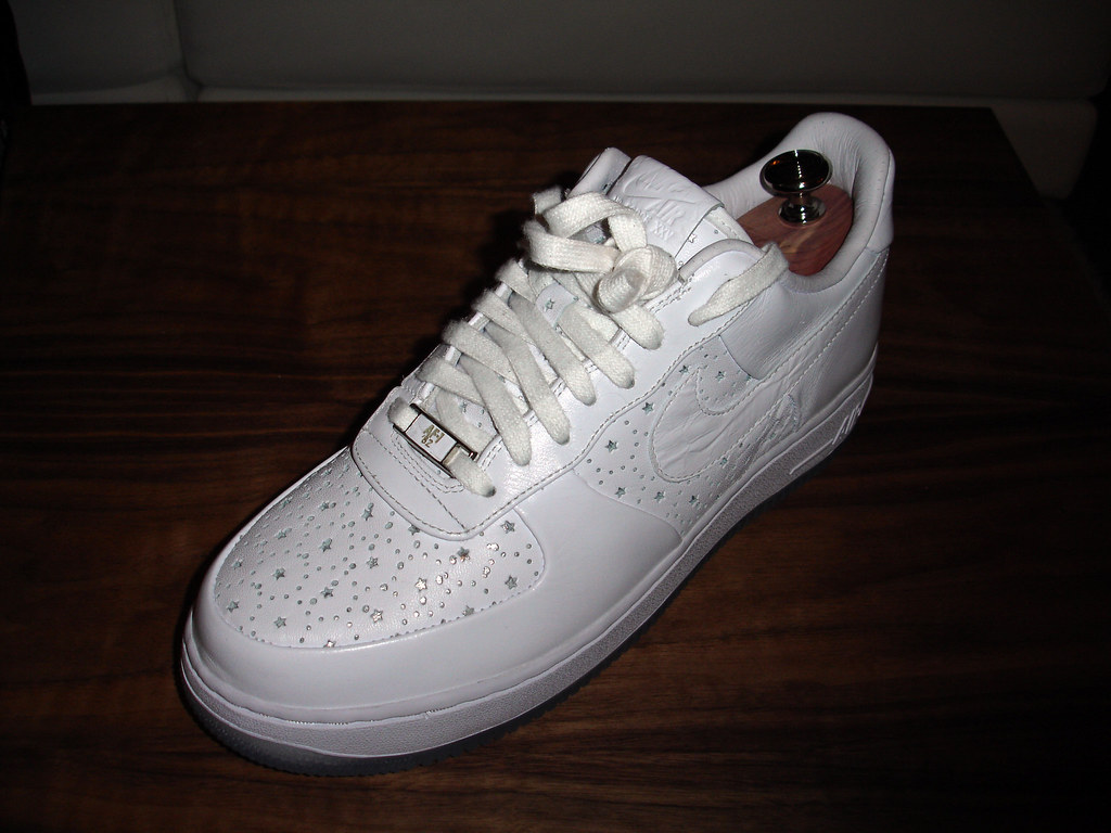Nike Air Force 1 Supreme Low iD   A sample of the Nike Air F