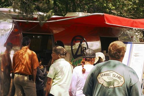 classic vintage retro trailer airstream taqueria retroramblers ziataqueria