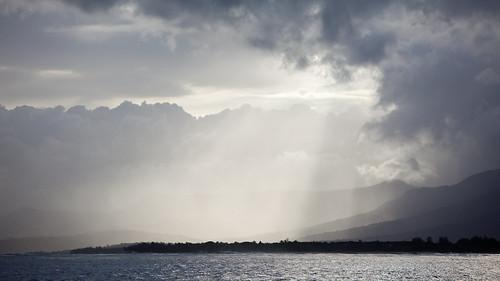 ocean africa sky nature berg clouds landscape himmel wolken mauritius landschaft lemorne ozean indischerozean singhray lbwarmingpolarizer oceanusindicus