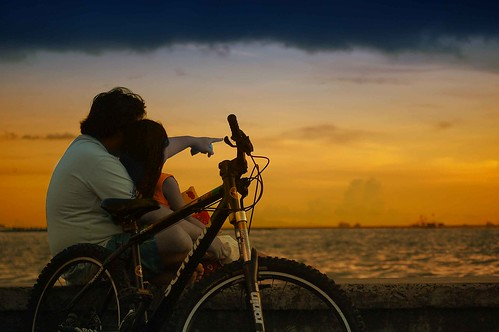 family sunset sea sky water bike fun bay kid child philippines mother explore northside bond indios mateo motherandchild pinoy c4 navotas inspiredbylove explored thehousekeeper flickristasindios georgemateo