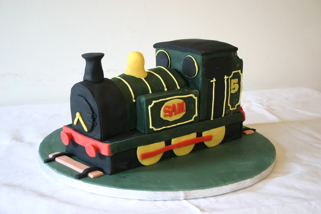 Stupendous Train Birthday Cake Train 5Th Birthday Cake Sugarpaste Ic Flickr Personalised Birthday Cards Veneteletsinfo