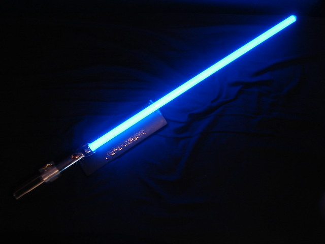 Lightsaber unboxing, part 6: glowing!