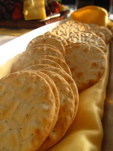 Crackers   by pianoforte