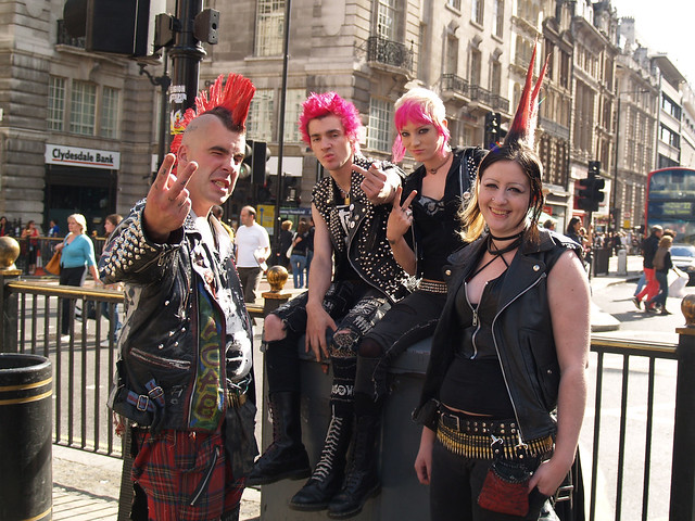Punks - Piccadilly Circus